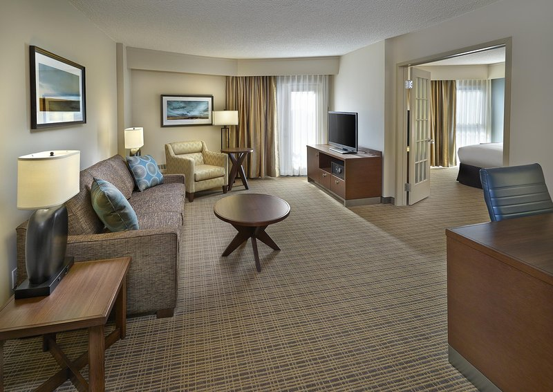 DoubleTree by Hilton Hotel & Conference Centre Regina-Suite Living Area<br/>Image from Leonardo