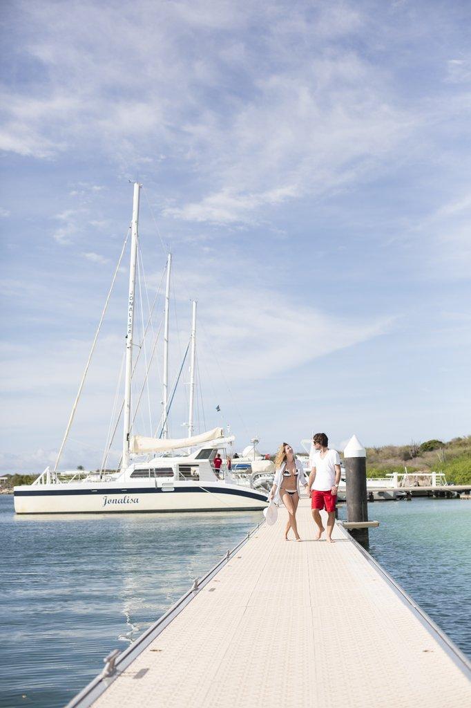Santa Barbara Beach & Golf Rst - Boat <br/>Image from Leonardo