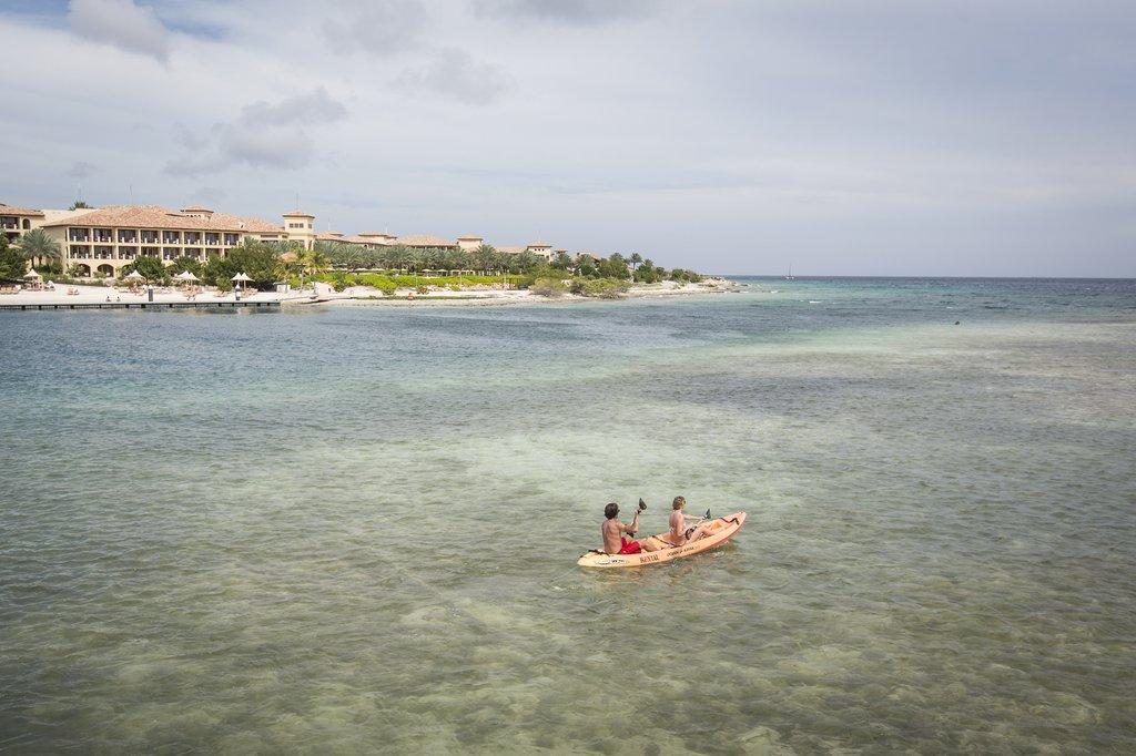 Santa Barbara Beach & Golf Rst - Kayak <br/>Image from Leonardo