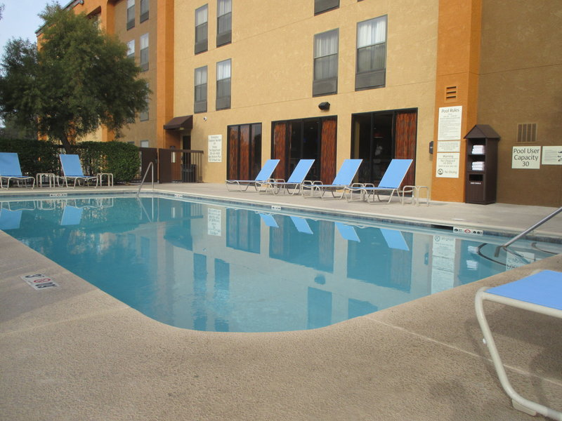 Best Western Plus Fresno Airport Hotel-Swimming Pool<br/>Image from Leonardo