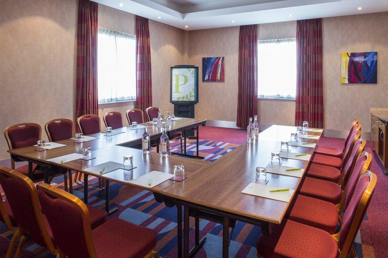 Jurys Inn Oxford-The Oxford Hotel Bladon room<br/>Image from Leonardo
