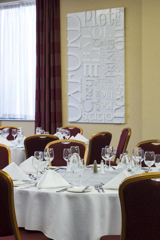 Jurys Inn Oxford-The Oxford Hotel University Suite<br/>Image from Leonardo