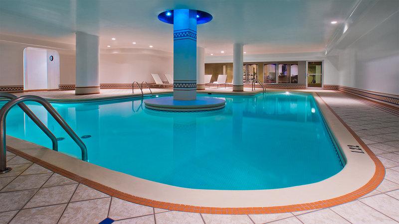 Hotel Manoir Victoria-HMVPiscine Nov BR<br/>Image from Leonardo