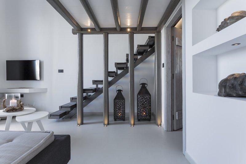 Poseidon Hotel-Elegant Suite<br/>Image from Leonardo