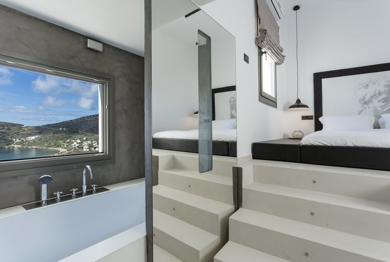 Poseidon Hotel-Liostasi Suite Sharing Pool<br/>Image from Leonardo