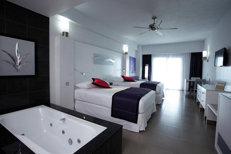 Riu Palace Peninsula - Guest Room <br/>Image from Leonardo
