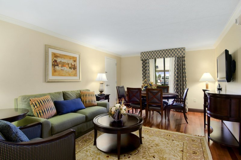 DoubleTree by Hilton Grand Rapids Airport-Junior Suite Living Room<br/>Image from Leonardo