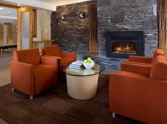 Banff Aspen Lodge-Bar Lounge<br/>Image from Leonardo
