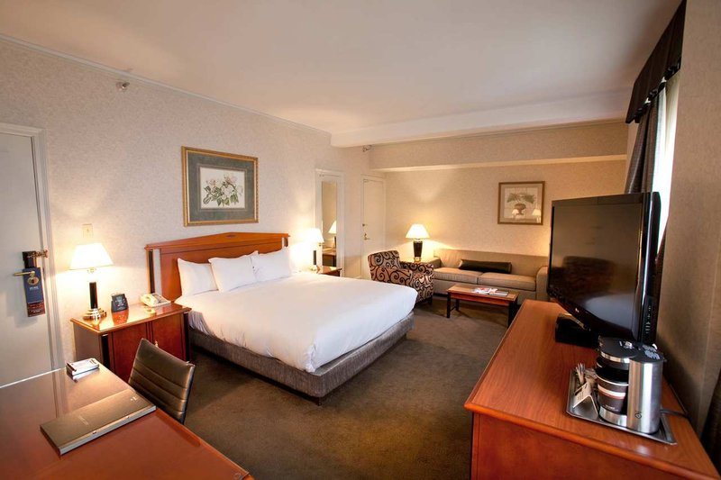 Hilton Cincinnati Netherland Plaza-King Mini Suite<br/>Image from Leonardo