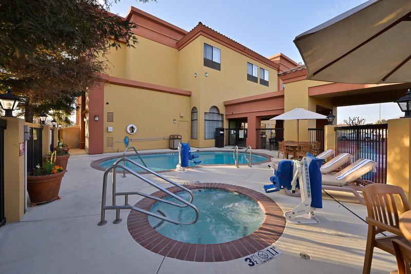 Best Western Plus Fresno Inn-Swimming Pool & Hot Tub<br/>Image from Leonardo
