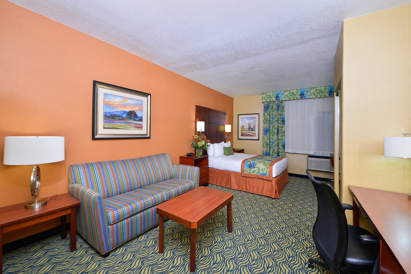 Best Western Plus Fresno Inn-ADA-Accessible Queen Guest Room<br/>Image from Leonardo