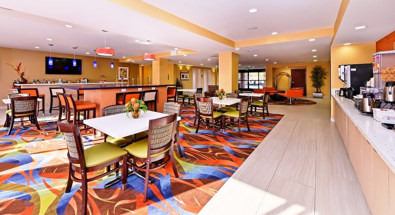 Best Western Plus Fresno Airport Hotel-Jet Lounge<br/>Image from Leonardo