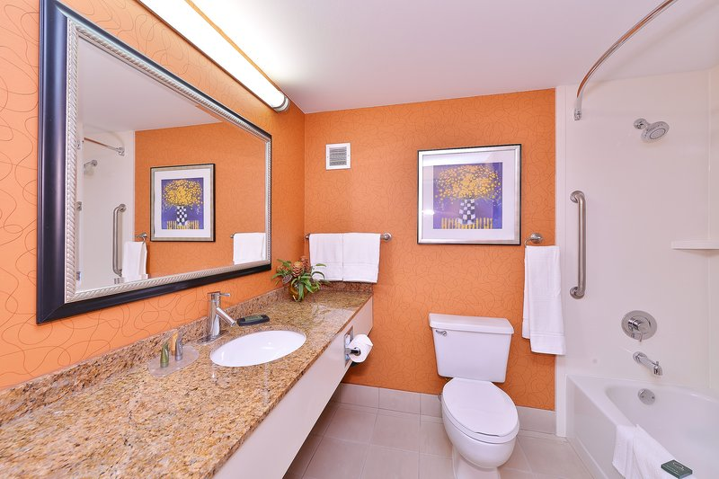 Best Western Plus Fresno Airport Hotel-Guest Bathroom<br/>Image from Leonardo