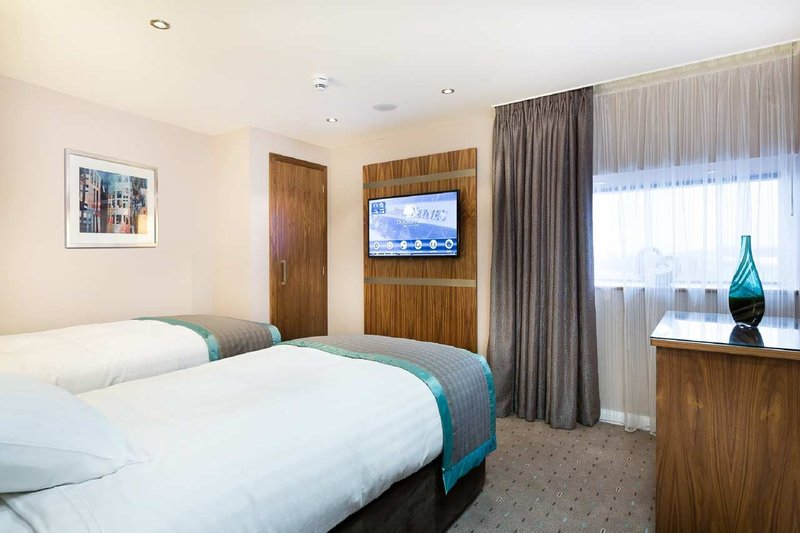 DoubleTree by Hilton Milton Keynes-King Family Second Bedroom-Twin<br/>Image from Leonardo