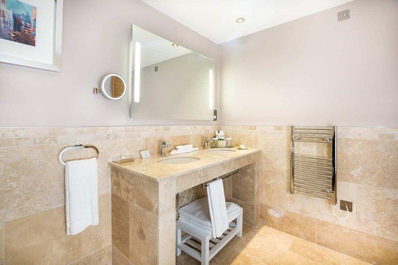 DoubleTree by Hilton Milton Keynes-Guest Bathroom<br/>Image from Leonardo
