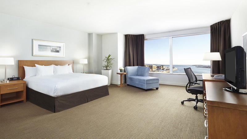 Hilton Saint John Trade &amp; Convention Centre-One King Bed Royal Suite<br/>Image from Leonardo