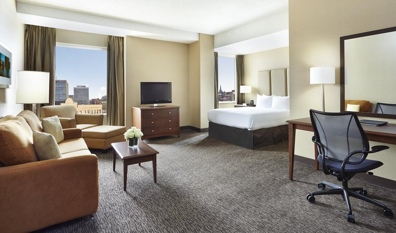 Hilton Saint John Trade &amp; Convention Centre-One Queen bed standard<br/>Image from Leonardo