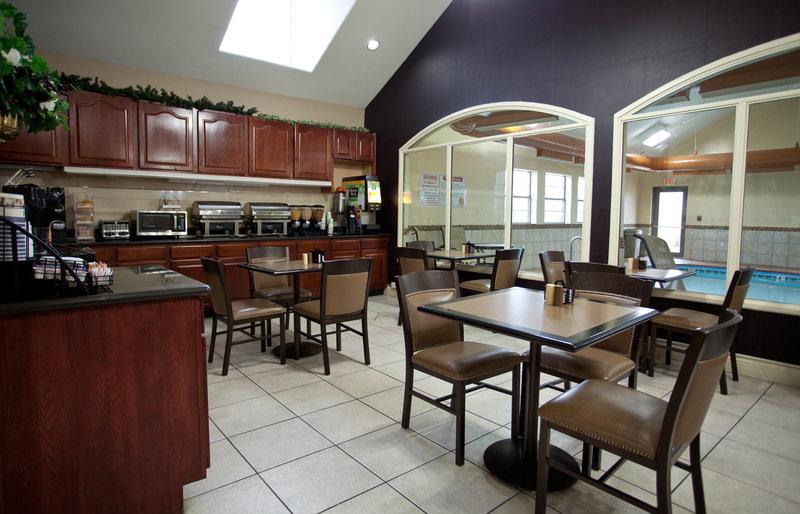 Best Western Plus Tulsa Inn  Suites-Breakfast Room<br/>Image from Leonardo