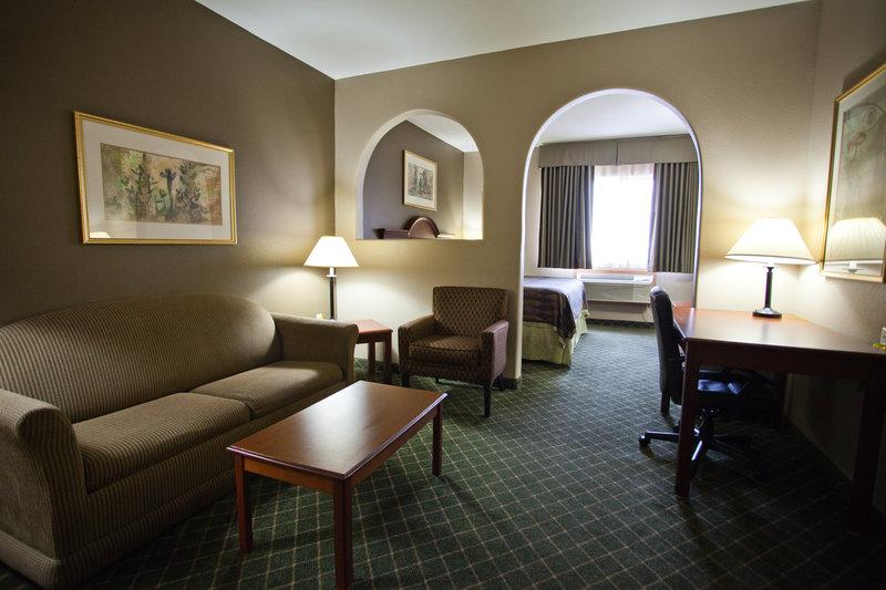 Best Western Plus Tulsa Inn  Suites-Suite<br/>Image from Leonardo