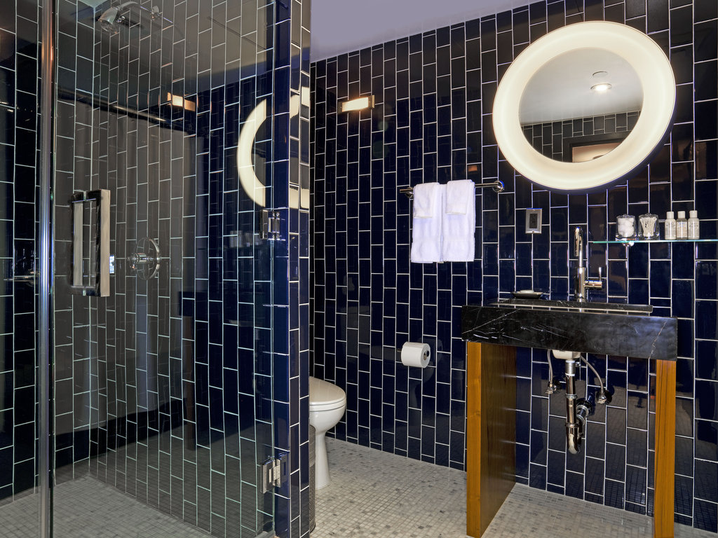 6 Columbus-a SIXTY Hotel-Bathroom<br/>Image from Leonardo