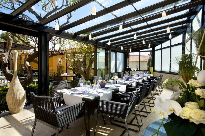 La Perouse Hotel-Veranda<br/>Image from Leonardo