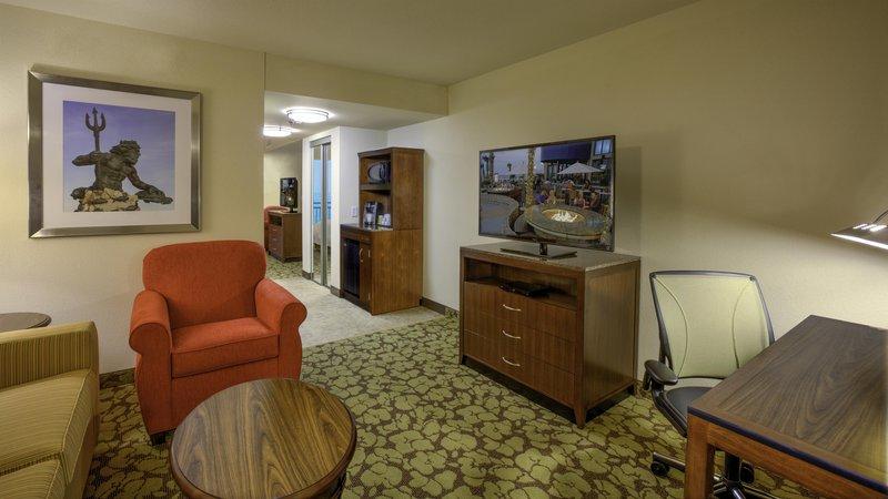 Hilton Garden Inn Virginia Beach Oceanfront-Queen Suite Seating Area<br/>Image from Leonardo