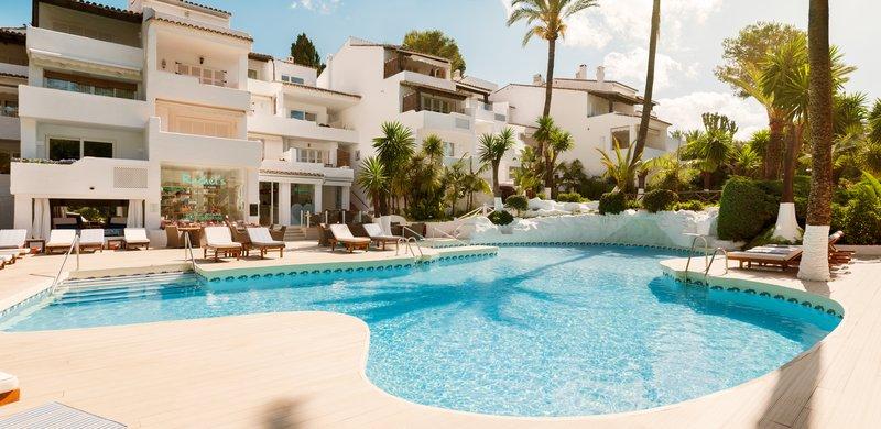 Hotel Puente Romano-Pool<br/>Image from Leonardo