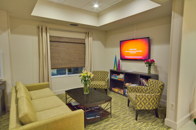 Holiday Inn Express & Suites Tampa-I-75 @ Bruce B. Downs-Lobby Lounge<br/>Image from Leonardo