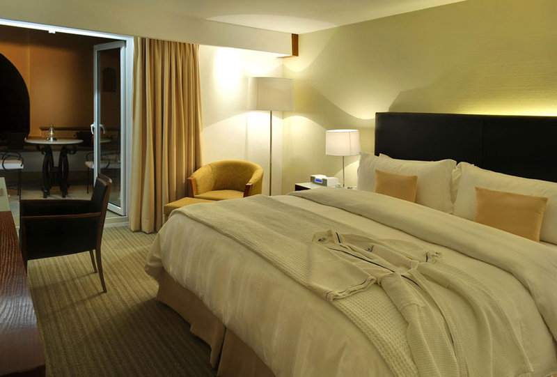 Holiday Inn Express Puebla-King Club Room<br/>Image from Leonardo