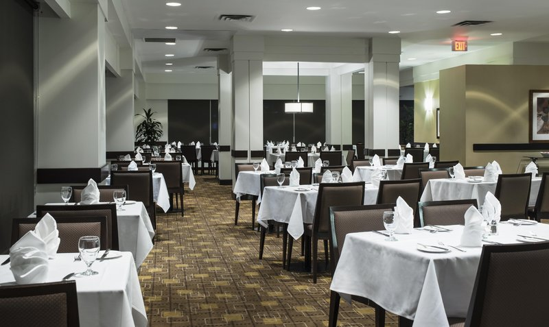Hilton Winnipeg Airport Suites-Bistro 1800 Dining Area 1<br/>Image from Leonardo