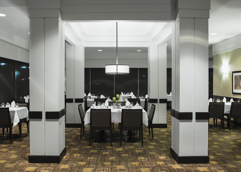 Hilton Winnipeg Airport Suites-Bistro 1800 Dining Area 2<br/>Image from Leonardo