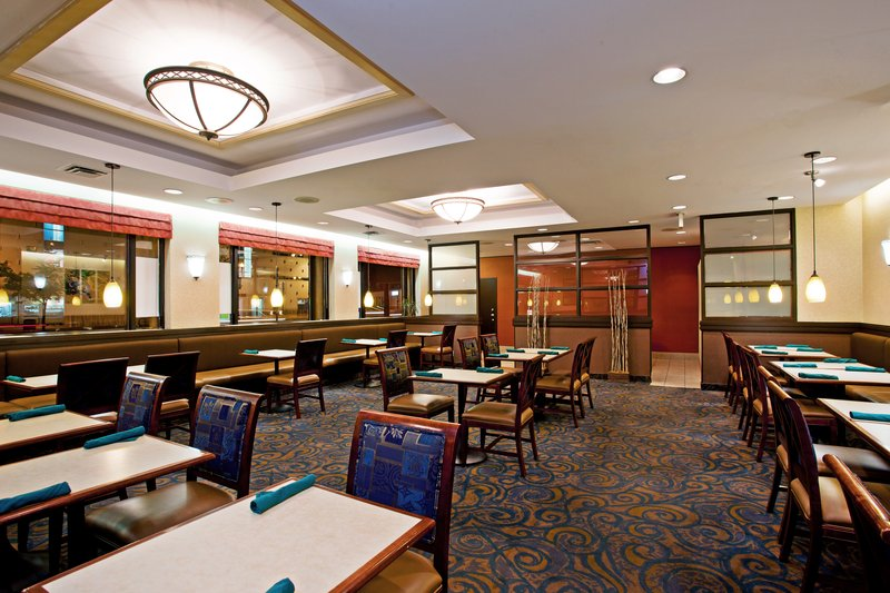 Holiday Inn Hotel & Suites Winnipeg-Downtown-Reception<br/>Image from Leonardo