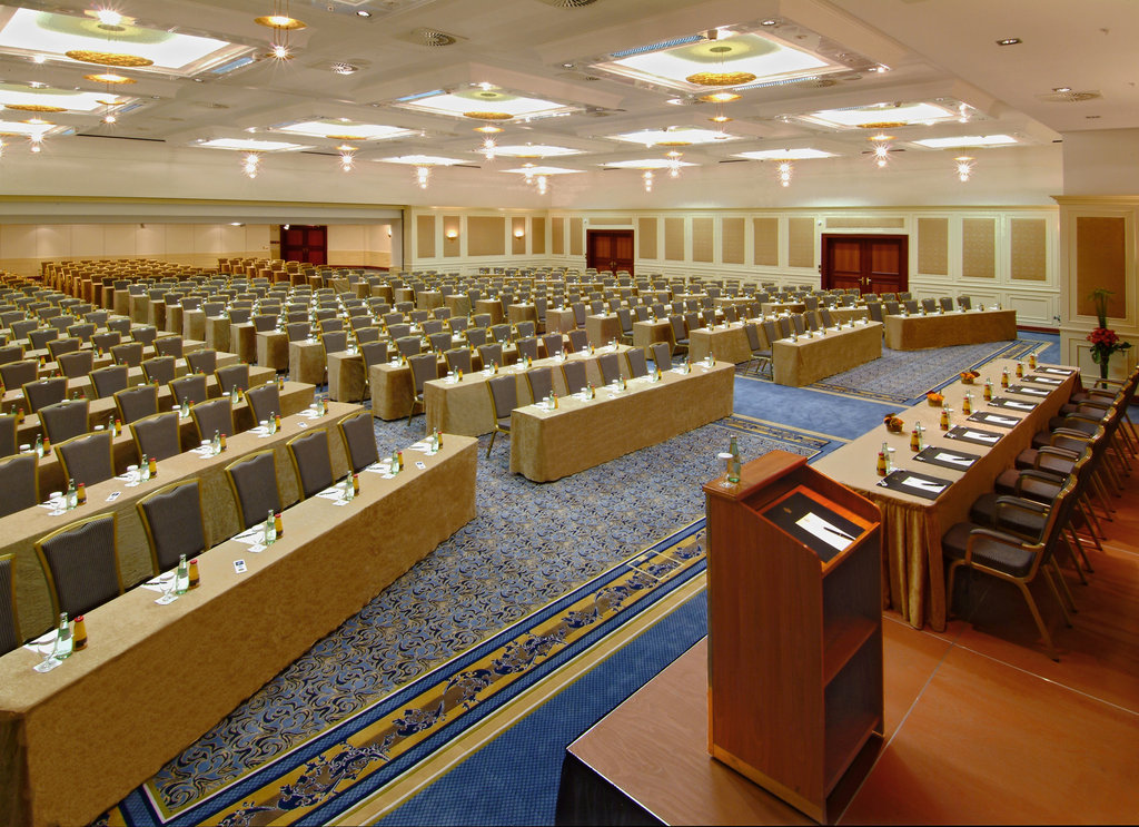Hotel Palace Berlin - Meeting Rooms Bordeaux Parliament <br/>Image from Leonardo