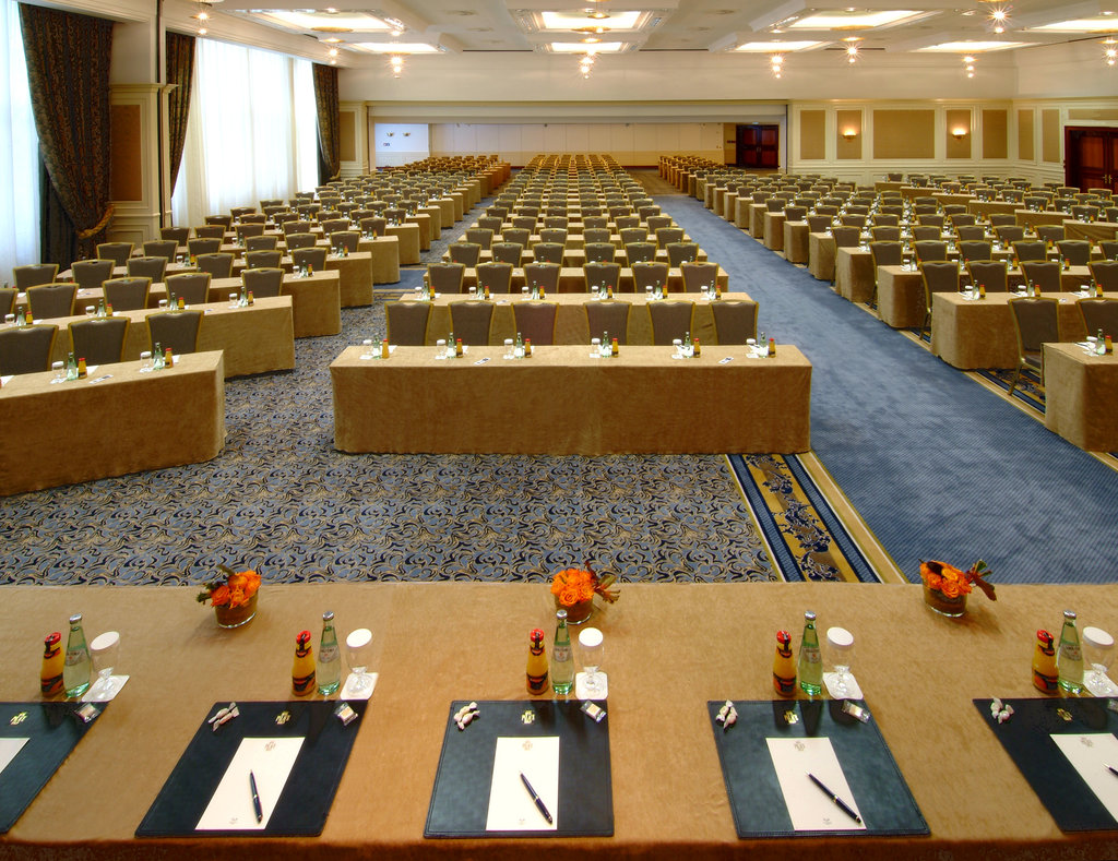 Hotel Palace Berlin - Meeting Room Bordeaux Parliament <br/>Image from Leonardo