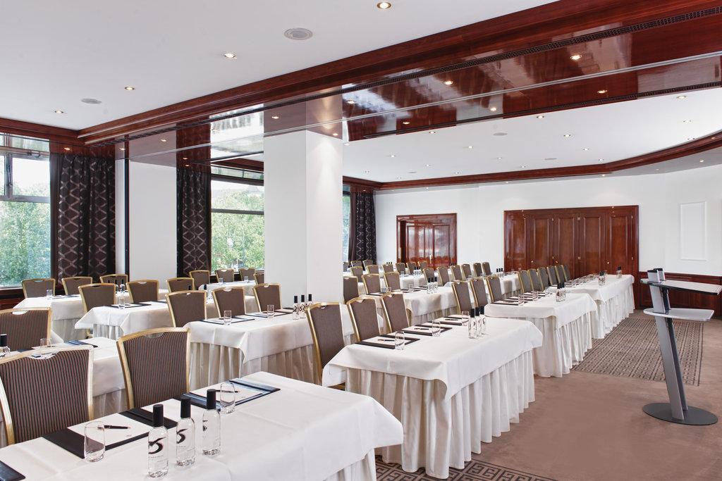 Hotel Palace Berlin - Meeting Room Romanee Conti Petrus Parliament <br/>Image from Leonardo