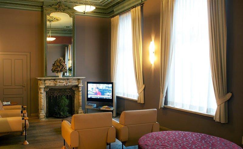 Academie-Lounge<br/>Image from Leonardo