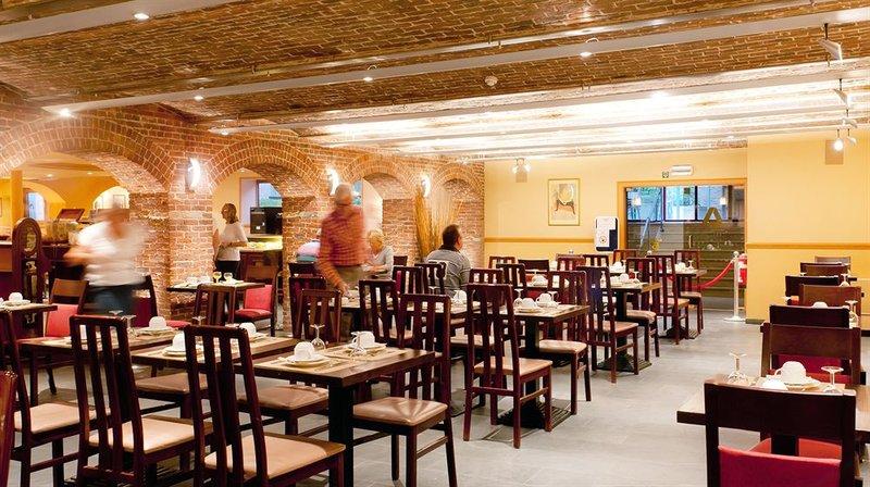 Academie-Restaurant<br/>Image from Leonardo