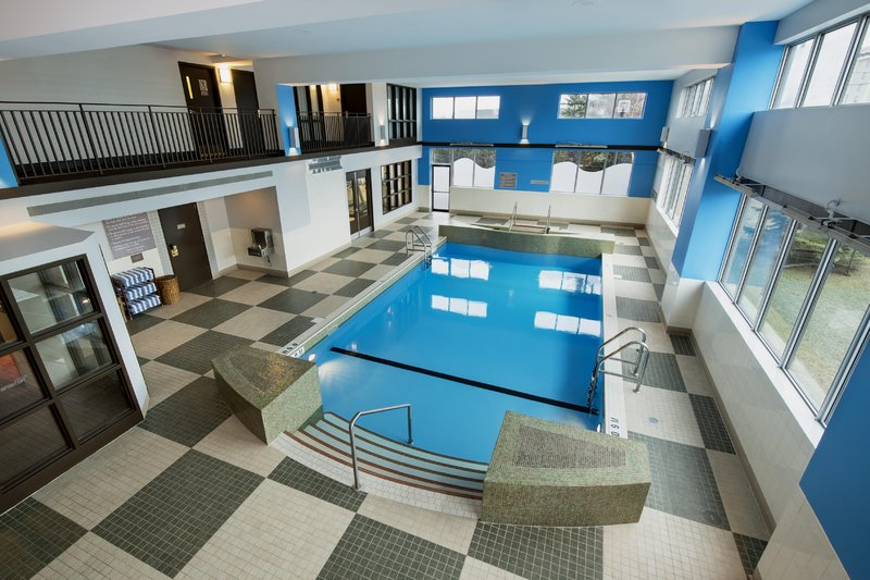 Hilton Winnipeg Airport Suites-Pool<br/>Image from Leonardo