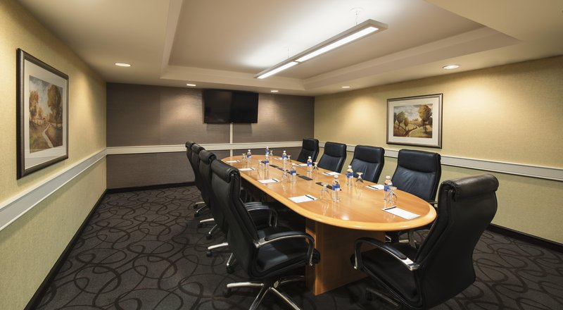 Hilton Winnipeg Airport Suites-Boardroom<br/>Image from Leonardo