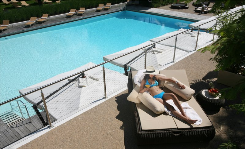 InterContinental Geneve-Poolside, View from the terrace at Hotel InterContinental Geneva.<br/>Image from Leonardo