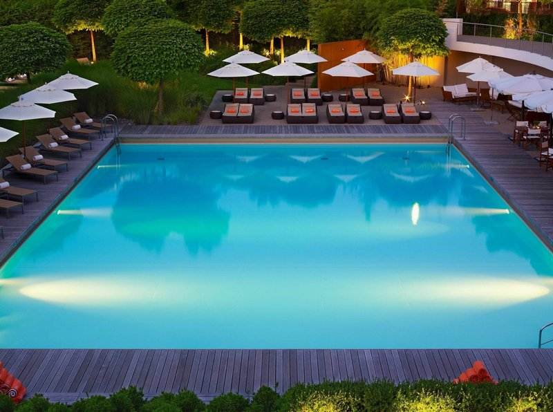 InterContinental Geneve-Poolside The Outdoor Pool from InterContinental Geneva<br/>Image from Leonardo