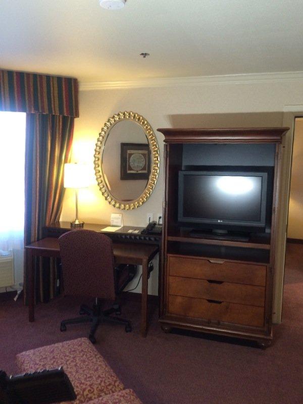 Holiday Inn Selma-Swancourt-XOTN King Suite Living Room TV<br/>Image from Leonardo