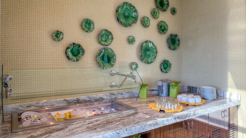 Hilton Garden Inn Virginia Beach Oceanfront-Garden Grille Breakfast Bar<br/>Image from Leonardo