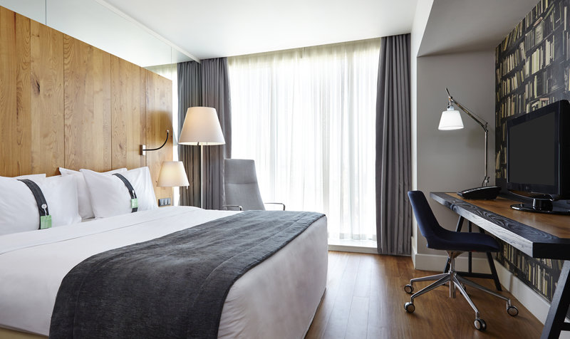 Holiday Inn Tbilisi-Standard Room with 1 king-size bed<br/>Image from Leonardo