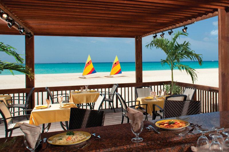 Divi Aruba All Inclusive-Divi Aruba All Inclusive - Sandpiper Bar<br/>Image from Leonardo