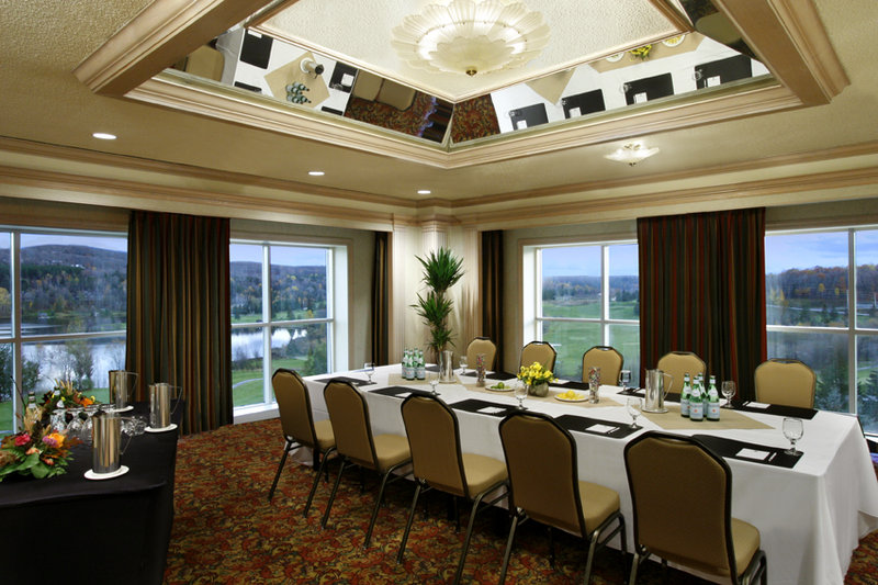 Deerhurst Resort-A.J Casson Room<br/>Image from Leonardo