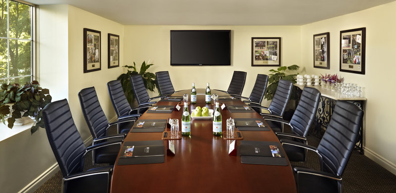 Deerhurst Resort-G8 Leaders Boardroom<br/>Image from Leonardo