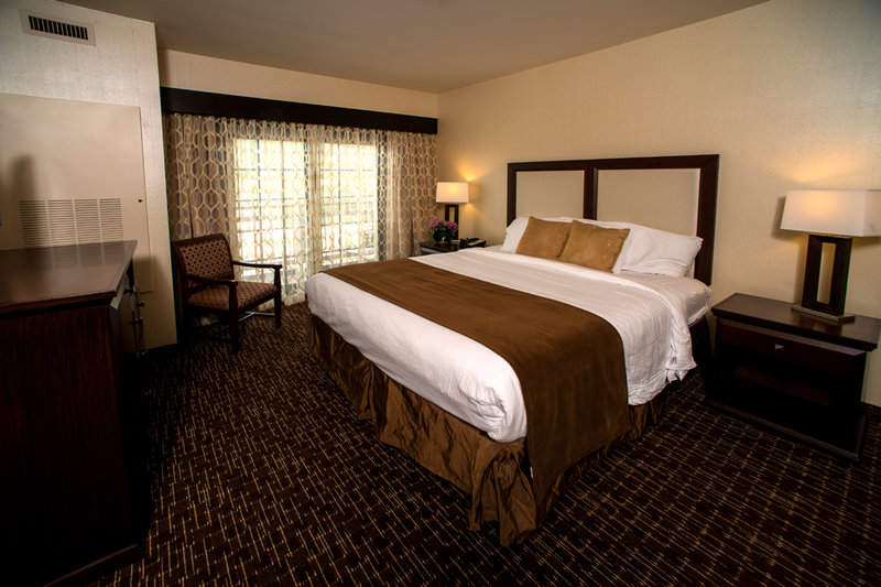 Holiday Inn Resort Deadwood Mountain Grand-Room Feature<br/>Image from Leonardo