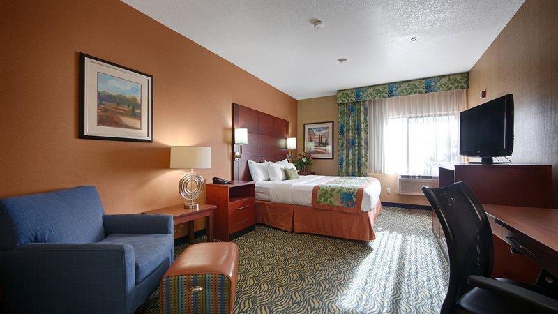 Best Western Plus Fresno Inn-King Guest Room<br/>Image from Leonardo