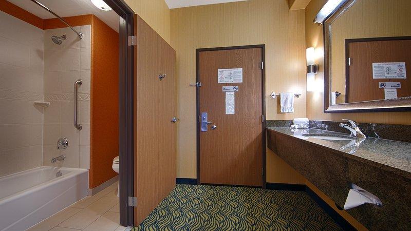 Best Western Plus Fresno Inn-Guest Bathroom<br/>Image from Leonardo